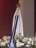 La imagen peregrina de la Virgen de Fátima visita nuestra capilla
